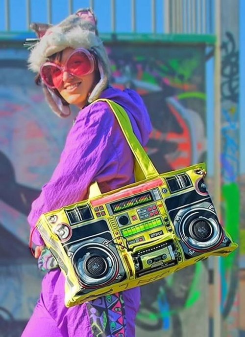 Retro-Boombox-Bag-2