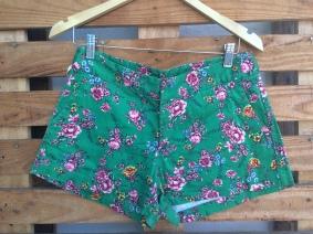 Aqui no Brechó qualquer roupa por R$10,00